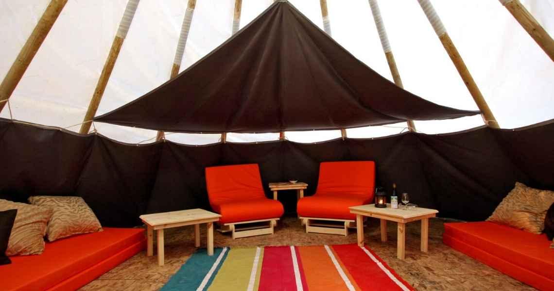 קמפינג בצפון מומלץ אוהל בפנים
